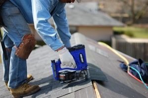 DFCR175C Cordless Roofing Nailer